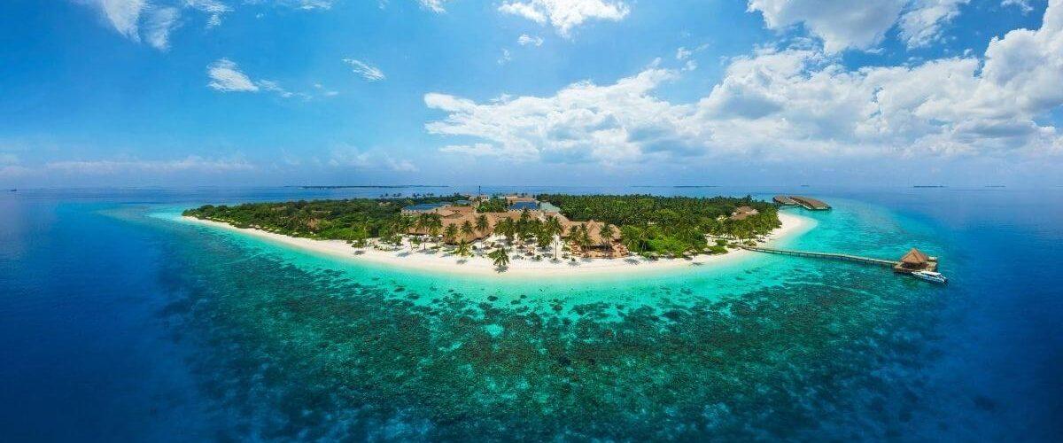 Tropical Bio Luxury Paradise in Maldives – 4 Nights at Reethi Faru Resort